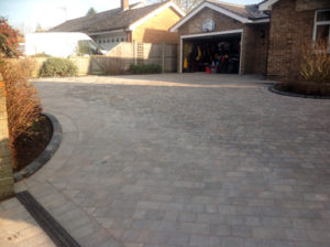 Driveway with Feature Borders